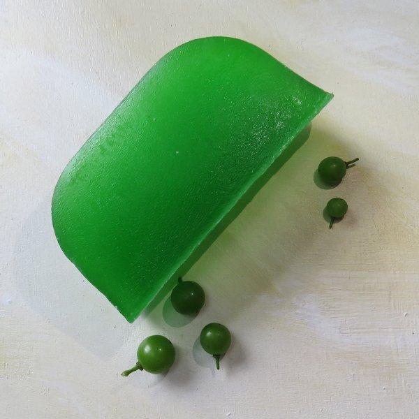 Plastic-Free Eucalyptus Shampoo Bar for Stronger Hair